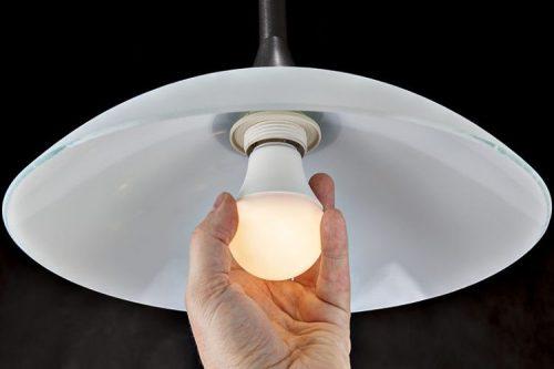 Consejos de como limpiar tus lamparas y focos de manera satisfactoria 1 e1527617958813 - Todolampara - Consejos de como limpiar tus lámparas y focos de manera satisfactoria