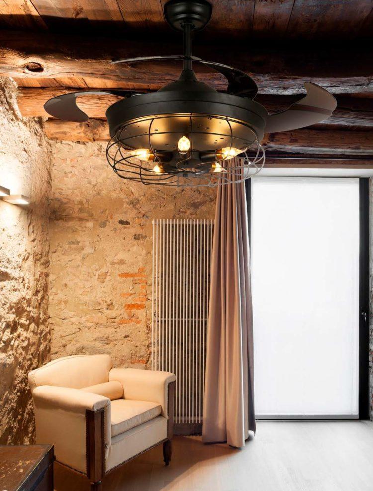 como puede quedar un ventilador anticuario rustico en salon de color negro y con bombillas