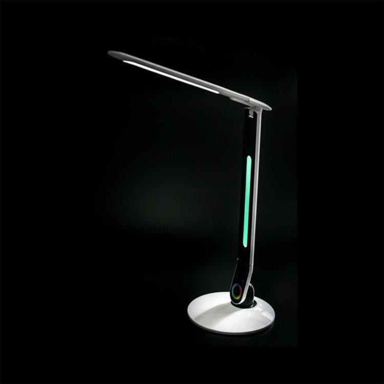 flexo encendido con luz ambiental rgb
