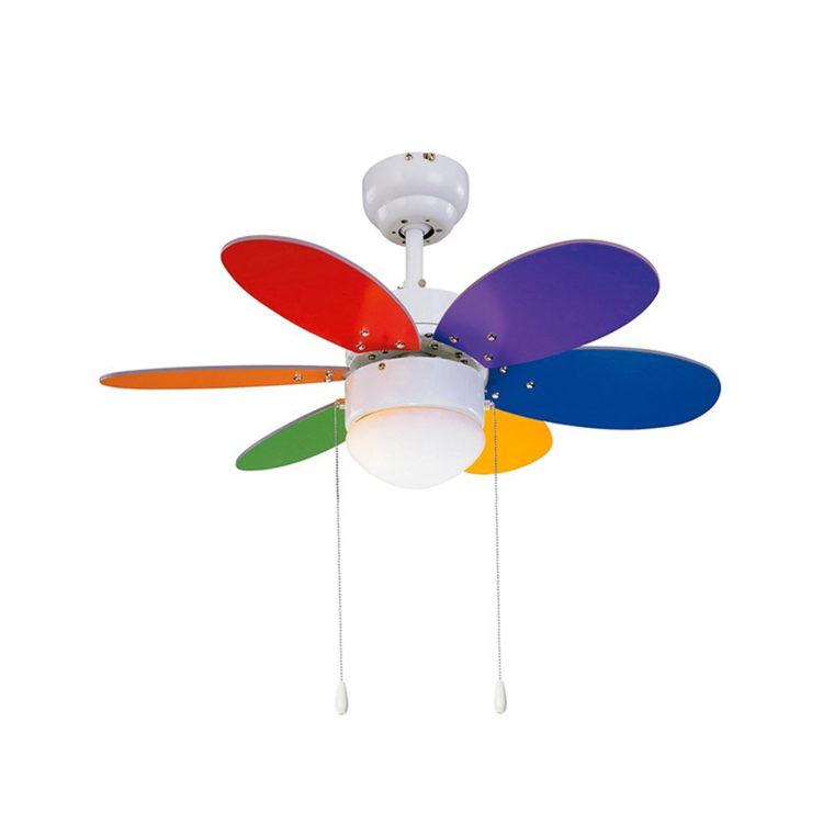 ventilador con aspas de colores y luz